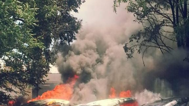 Article image for Fire engulfs 4 cars in Myaree