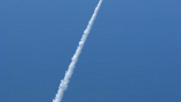 Article image for Does WA have a secret rocket base or UFOs buzzing aircraft? Experts puzzled by official pilot reports.