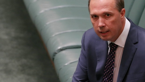 Article image for Minister condemns 'Alarming' ISIS video of Australian Doctor