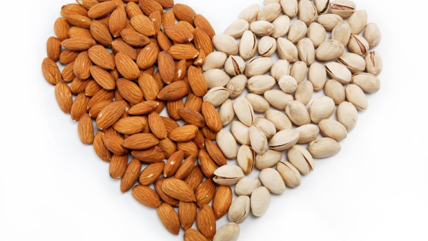 Article image for The benefits of eating nuts