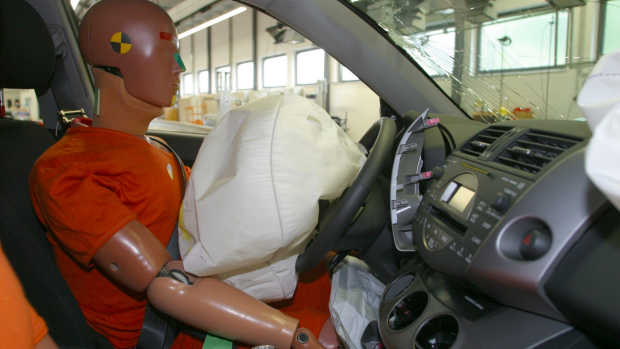 Article image for Car recall over faulty airbags