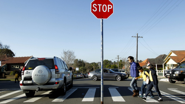 Article image for Principals attack parents over early drop-offs