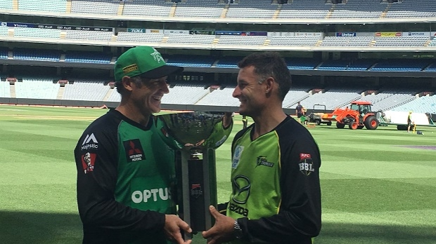 Article image for Family ties divided as Hussey brothers oppose each other in BBL Final