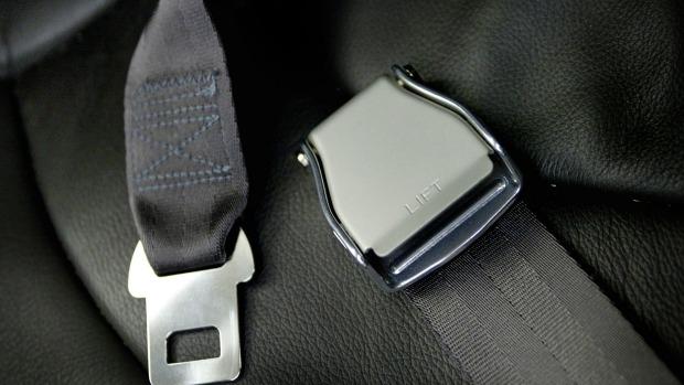 Article image for No seat belts in fatal Lake King crash