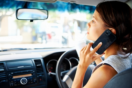 Telcos should help end driver distraction
