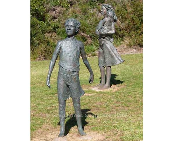Bronze sculpture stolen from local park