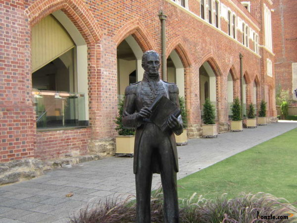 Consider changing statues, street names: Freo councillor
