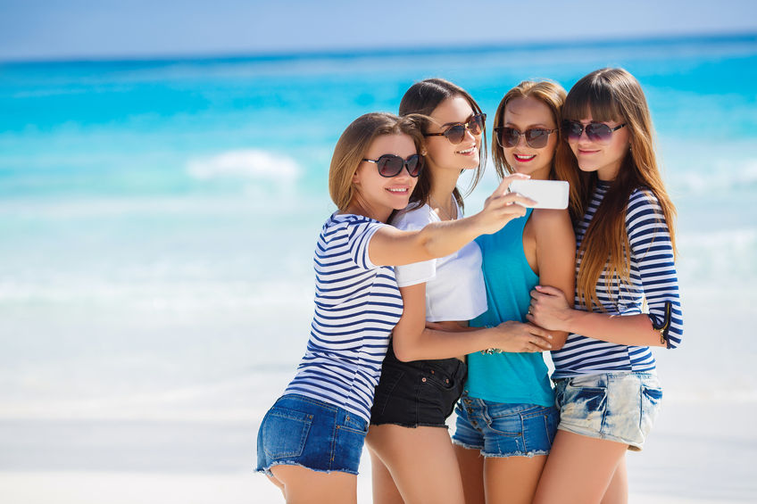 Article image for A third of Aussie holidaymakers putting the trip on card