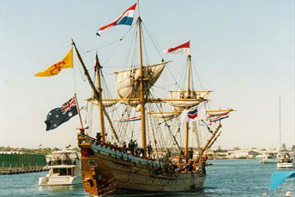 Article image for Duyfken replica set to farewell Fremantle