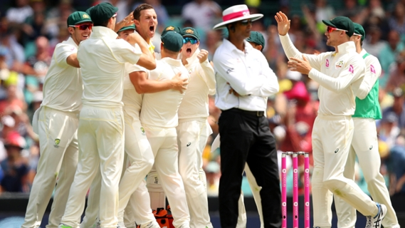 Article image for Australia strike three times in even start to Sydney Test