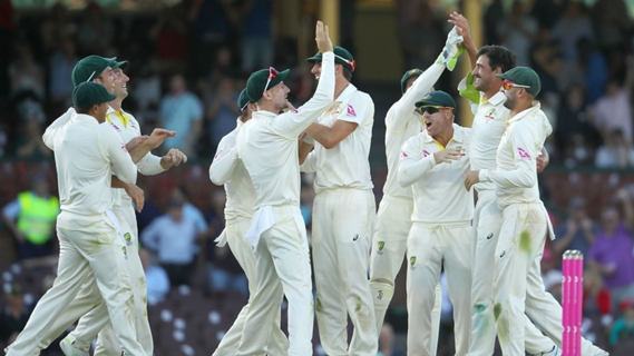 Article image for Australia ready to 'get stuck into' England after late wickets – Marsh