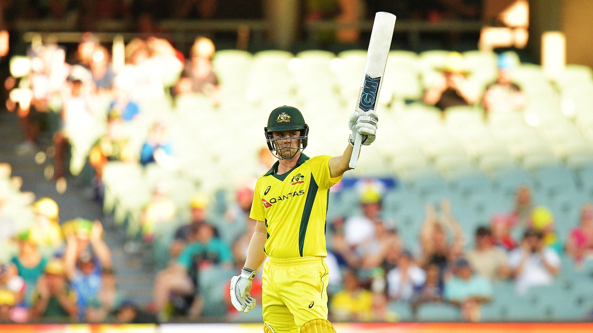 Article image for Head dominates with the bat as Australia punish woeful England start