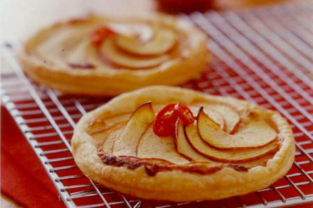 Fresh Finesse – Apple and Cheese Tarts