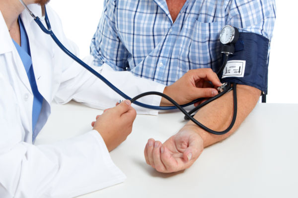 GP urges Australia not to lower threshold for high blood pressure diagnosis