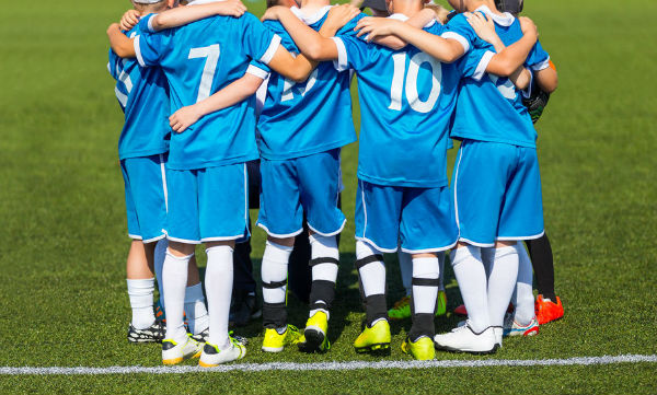 Junior footy players banned from singing team song
