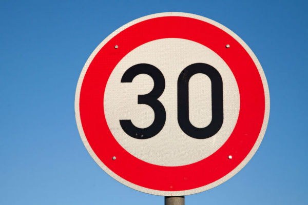 Should we drop the speed limit to 30km/h?