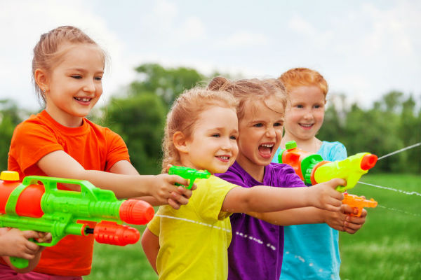 "Toy gun ban is ""silly"": child psychologist"