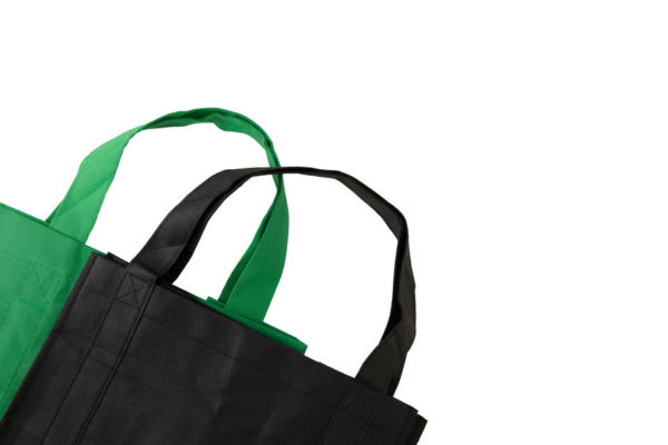 Staff told to lift reusable shopping bags at own risk