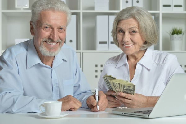 Are you living it up or saving for your kids inheritance?