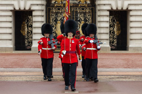 Beefeaters to strike