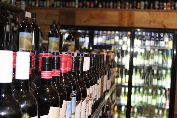 Locals fuming at new Pilbara booze restrictions