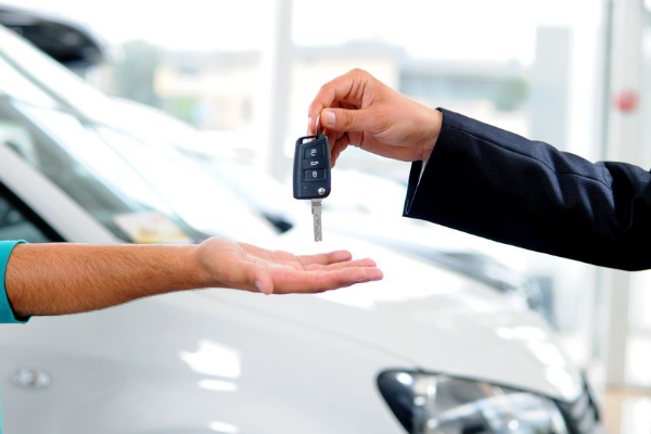 Should Car Dealers Have Credit Licences?