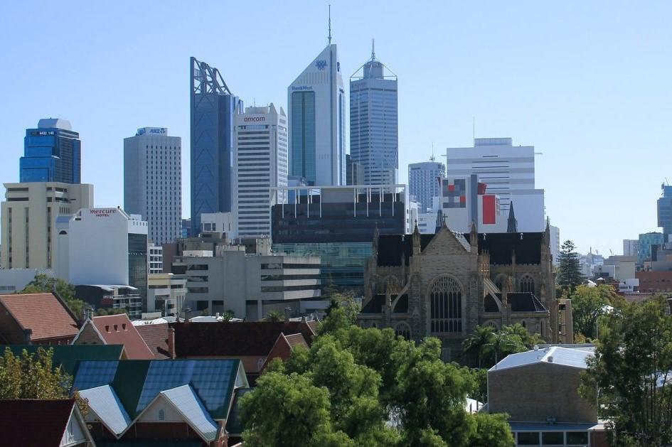 Commerce Minister concedes cladding legislation 'inadequate'