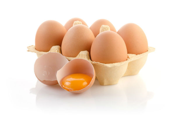 Article image for Warning for the 1 in 4 adults who eat raw eggs