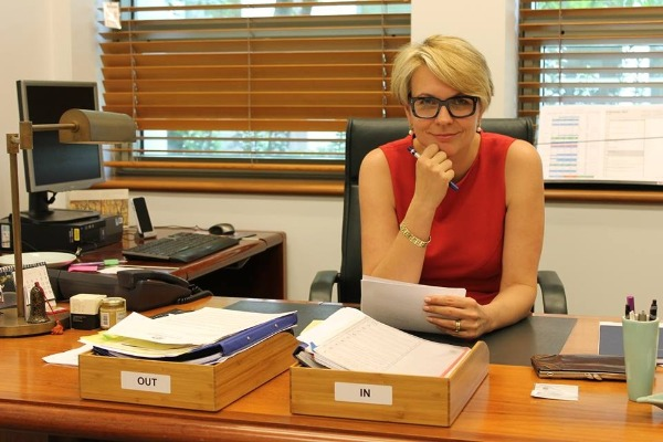 Did Tanya Plibersek pull out of the ALP leadership race because she's a woman?