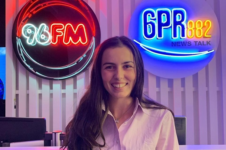 WA's young country music artist Sally Jane sings for you on Perth Tonight
