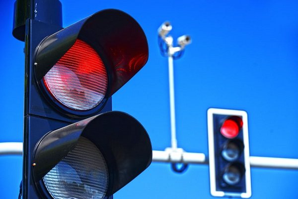 """""""This is insanity, it's so stupid"""" – banning of red light cameras"""