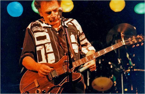 Rhythm & Blues Guitarist Dave Hole
