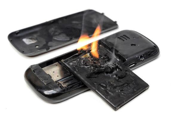 Virgin to ban checking-in Macbooks