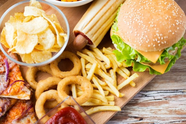 Article image for Junk food controls your brain