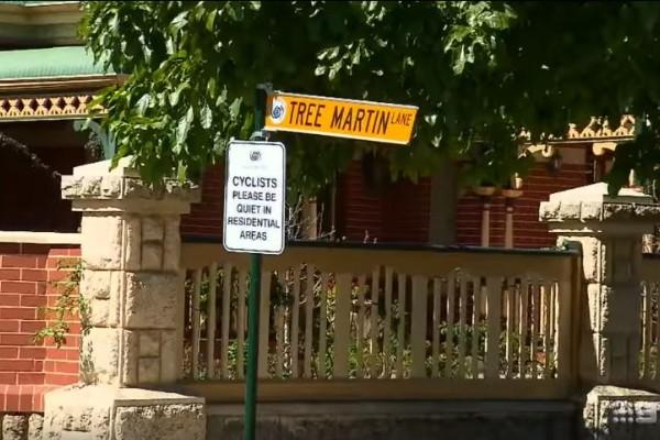 """Grumpy residents"" install anti-cyclist signs"