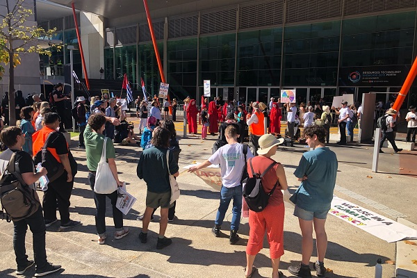 Blockade protesters 'not stopping' PCEC guests from entering building