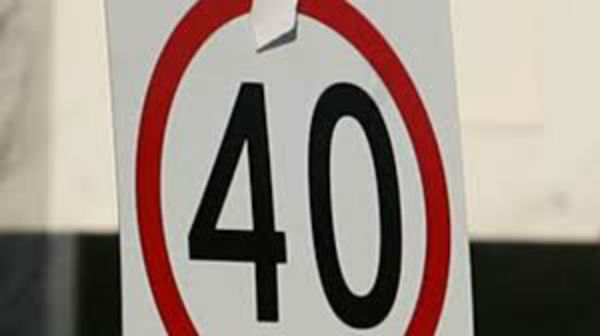 Article image for Call for 40km/h in suburban streets