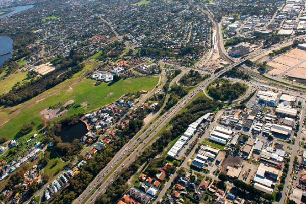 $800m to accelerate road projects; Lakelands Station confirmed