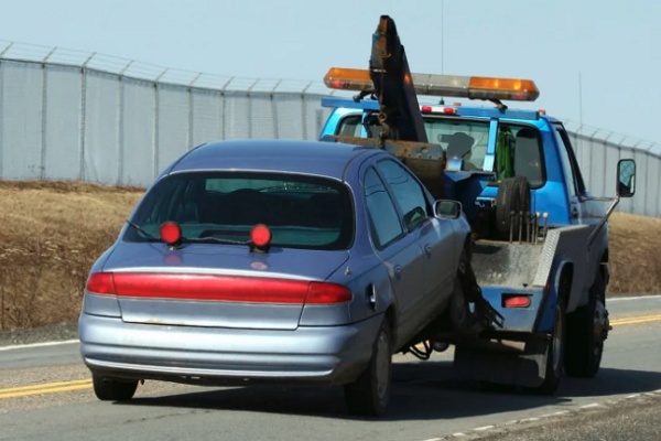 Government crackdown on tow truck cowboys