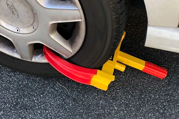 Article image for One step closer to banning wheel clampers