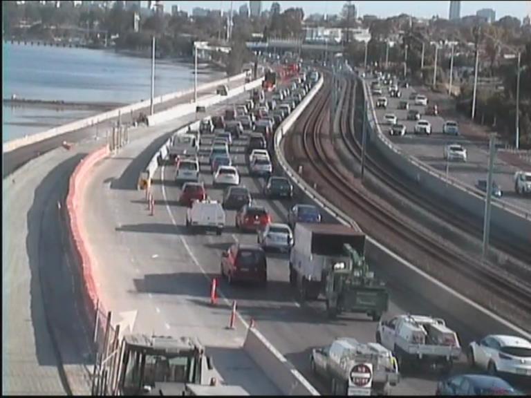 Road works halts peak hour traffic