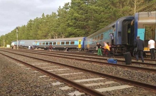 Train derails in Victoria killing two