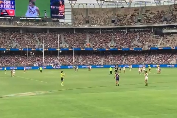 Sports Minister issues a 'please explain' over Optus Stadium pitch security