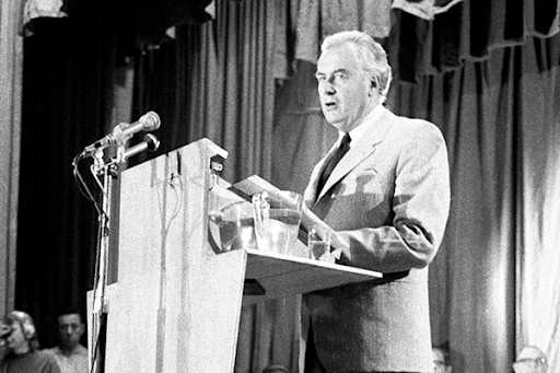 Palace letters: Secret correspondence sheds light on Whitlam's dismissal