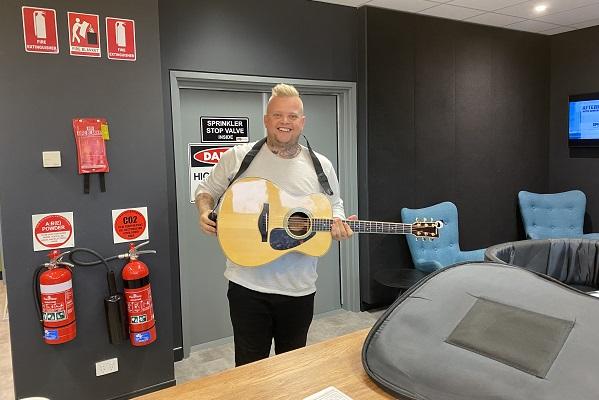 Matt Gresham playing LIVE MUSIC in Studio!