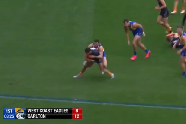 Article image for Gareth Parker says 'bewildering' umpiring decisions making AFL 'unwatchable'