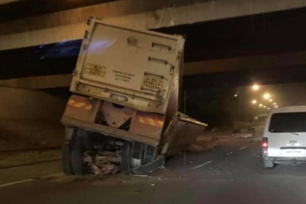 TRAFFIC CHAOS: Motorists urged to avoid Tonkin Hwy after truck v bridge crash