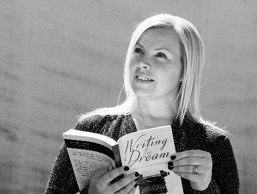 Perth author, publisher, and mum of 6 wins AusMumpreneur 2020