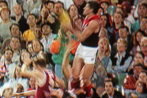 Article image for 'The AFL needs to take responsibility' Former AFL high flyer Shaun Smith on head knocks and CTE