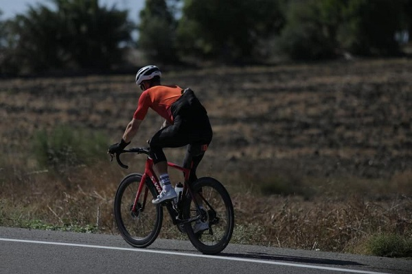 New World Record Holder! Perth man Jack Thompson rides 3,500 km in seven days!